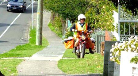 pochta-avstralii-na-motocik